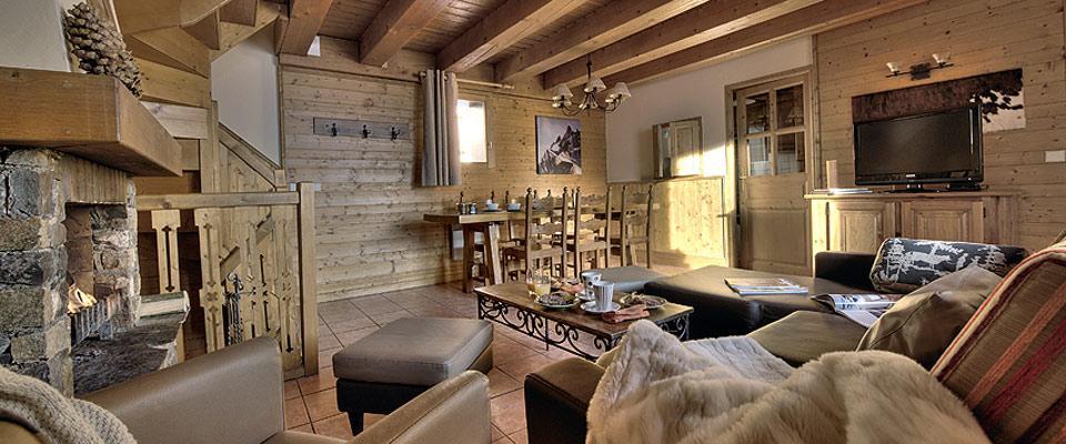 montagnettes-hameau-du-soleil-wintersport-appartement-woonkamer.jpg