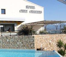 charles 0020-pool-bar-hotel-calvi-220x190.jpg