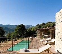 villa-niellucciu-corsica-zwembad-220x190.jpg